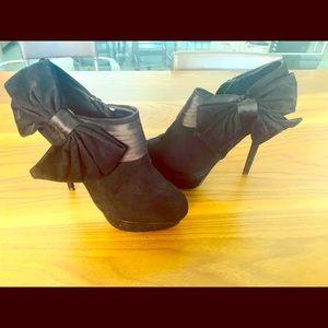Bakers high heel booties
